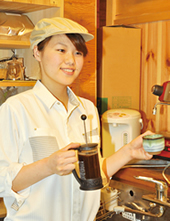 喫茶入社2年目 F・K